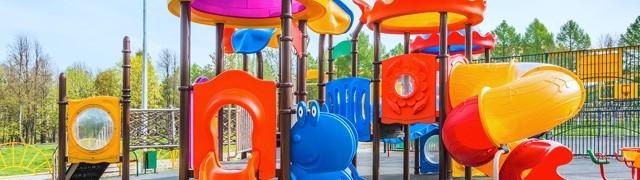 Playground da esterno per centri commerciali in legno e metallo – Tutto Gonfiabili